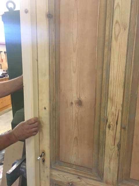 ferrage de vielle porte dans cadre bois neuf menuiserie. Black Bedroom Furniture Sets. Home Design Ideas