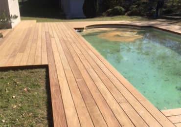 Terrasse bois extérieure piscine