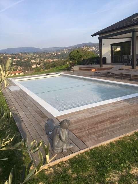 Terrasse bois extérieure abords piscine - Menuiserie Xavier SEUX
